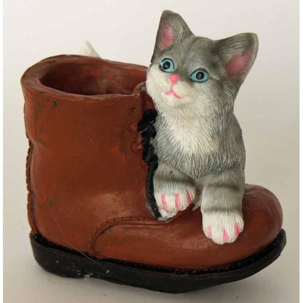 Billie<br>Grå killing med støvle
