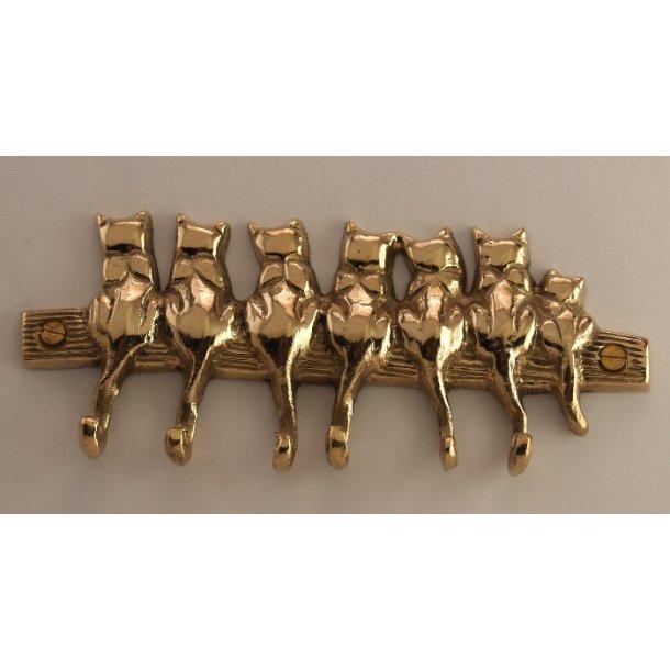 7 messingkatte<br>med 6 halekroge